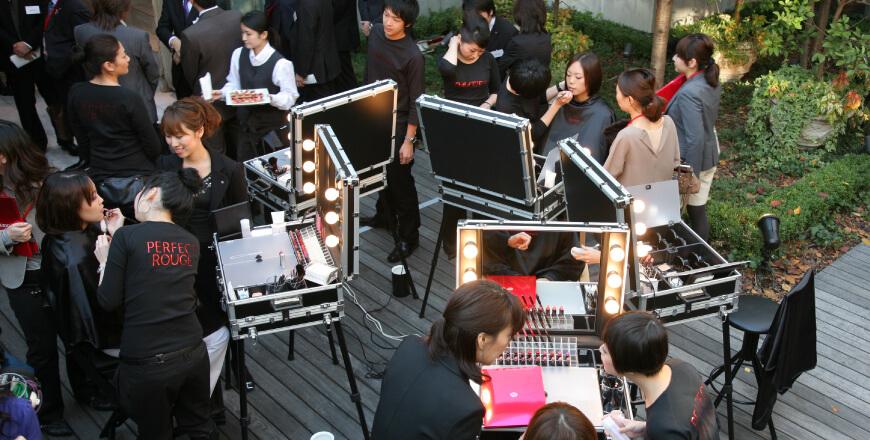 Histoire Cantoni: 2007 inauguration du showroom Cantoni au Japon