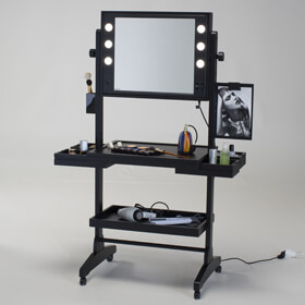 table make up sur roues cantoni. Black Bedroom Furniture Sets. Home Design Ideas